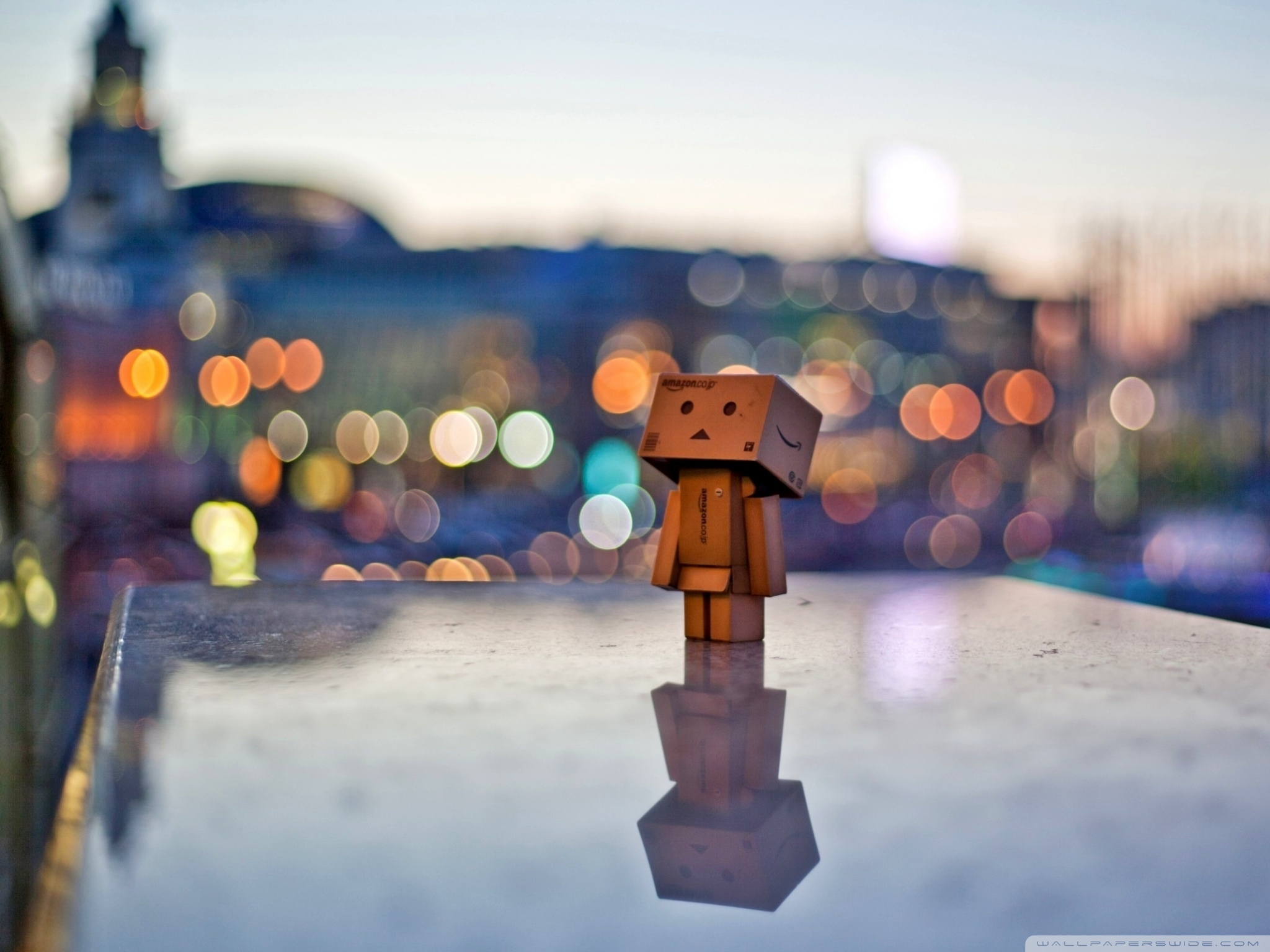 danbo_in_the_city-wallpaper-2048x1536